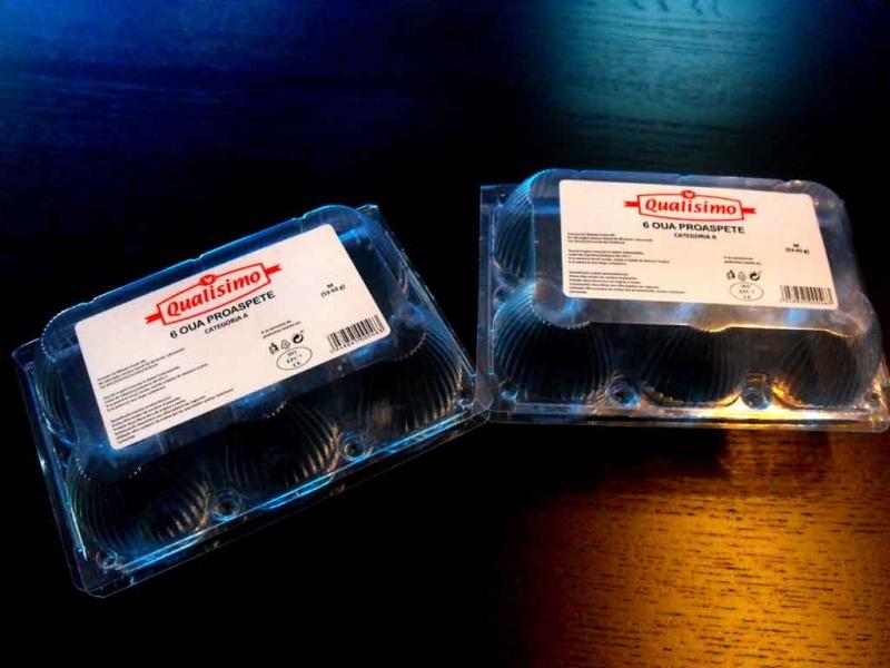 cofraje-plastic-pentru-12-oua-gaina-1050-1